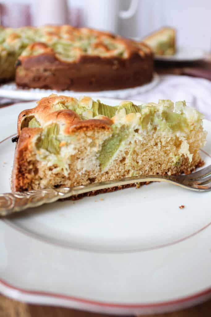 Rhabarber Marzipan Kuchen